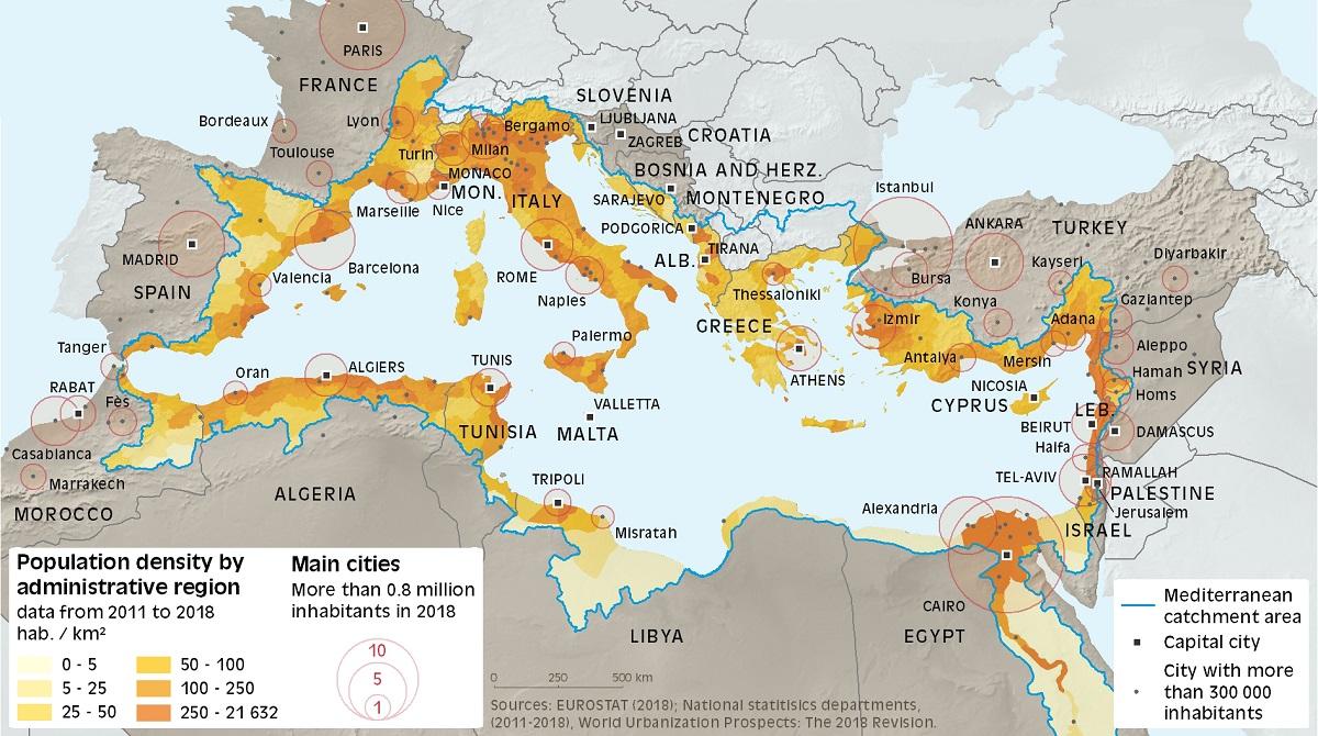 Densité de population par région administrative et villes principales dans le bassin versant de la Méditerranée